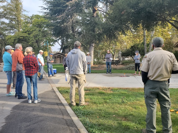 Friends of the Atascadero Lake thank volunteers for successful lake clean up event