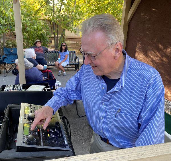 Gary Brill provides music